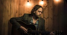 Ep312 - Hayes Carll - Hayes Carll plays tracks from Lovers and Leavers and talks about writing for this phase of his life, his recent Merle Haggard cover, and his run in with Townes Van Zandt fans.I've got that new Michael Rank album and the  new Boo Ray country rock album. Plus there's more of that Eli Paperboy Reed album, the awesome blues album from Lonesome Shack, another track from that Bonnie Bishop soul album, some John Doe & The Sadies, & Mudcrutch,