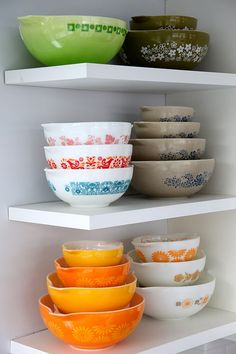 pyrex. I have the orange ones on the bottom left. My mother got them for her bridal shower!!!!