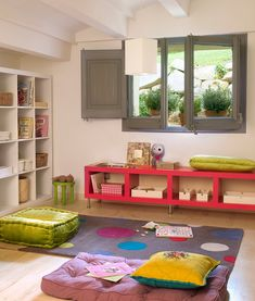 play- and reading space..