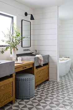 Rustic Modern Bathroom Designs Dreaming of a modern mountain home or rustic and refined farmhouse? Here are Rustic Modern Bathroom Designs that are sure to inspire! Modern Farmhouse Bathroom, Modern Bathroom Design, Bathroom Designs, Bathroom Ideas, Bathroom Storage, Eclectic Bathroom, Bathroom Remodeling, Bathroom Colors, Bathroom Layout