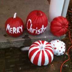weird but I kinda like it! Pumpkin Snowmen, Christmas Pumpkins, Grinch Christmas, Christmas Porch, Outdoor Christmas Decorations, Diy Christmas Ornaments, All Things Christmas, Christmas Lights, Christmas Time