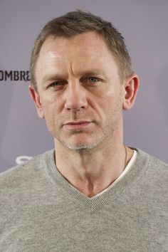 """Daniel Craig Photos Photos - Actor Daniel Craig attends """"The Girl With The Dragon Tatoo"""" (Los Hombres Que No Amaban A Las Mujeres) photocall at Villamagna Hotel on January 4, 2012 in Madrid, Spain. - 'The Girl With The Dragon Tatoo' Madrid Premiere 5"""