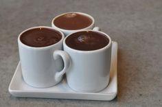 Koktaj czekoladowy mimo że bez czekolady jest słodki, gęsty i sycący oraz znakomicie zaspokaja chęć na coś słodkiego