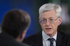BOE's Weale Says Firmer Evidence Needed for August Rate Cut.