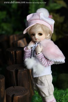 My Little DollI once had a sweet little doll, The prettiest doll in the world;Her cheeks were so red and so white;And her hair was so charmingly curled.But I lost my poor little doll, As I pl...