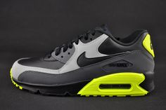 The Nike Air Max 90 Borrows An Iconic Colorway