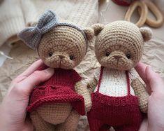 Knitting Bear, Crochet Bear, Crochet Toys Patterns, Stuffed Toys Patterns, Amigurumi Toys, Free Pattern, Dolls, Teddy Bears, Handmade Gifts