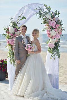 свадебная арка у моря