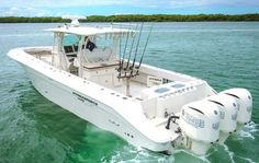 Hydra-Sports 4200 SF in white with triple Yamahas