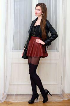 ...help! I have nothing to wear! - kobiecy blog o modzie: Bordowa skórzana spódniczka, czarna ramoneska i rajstopy zakolanówki