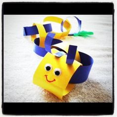Paper chain caterpillar - do this next year with Bug Unit/Spring. Spring Activities, Craft Activities For Kids, Preschool Crafts, Crafts For Kids, Craft Ideas, Insect Crafts, Bug Crafts, Camping Crafts, Changing Unit