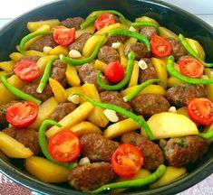 Köfte patates yapılışı Salsa, Pork, Ethnic Recipes, Sweet, Kitchens, Green Bell Peppers, Recipes With Meatballs, Easy Meals, Kale Stir Fry