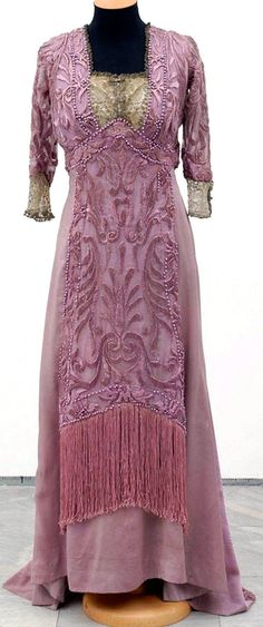 Engagement dress, Redfern, Paris, 1909. Silk, pearls, metal thread, lace. Museum of Applied Art, Belgrade