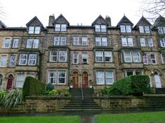 Harrogate Property News: Harrogate Property News - 2 bed flat for sale Valley Drive, Harrogate HG2