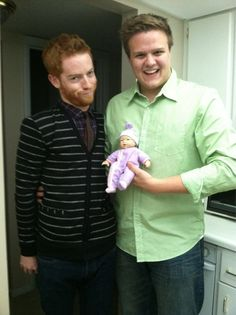 Awesome Modern Family Halloween costume, or just an uncanny Mitch and Cam combo? Extra points for the Lily doll. #MOFY