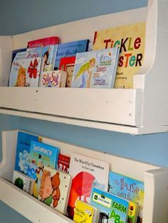 "Vía: <a href=""http://www.littlelucylu.com/2011/05/from-pallet-to-bookshelves.html/"" target=""_blank"">Little Lucy Lu</a>."