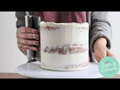 Learn how easy it is to create a semi naked cake with this flawless buttercream recipe and the right tools. Then get my favorite ideas for decorating the finished cake for rustic and minimalist looks. Chocolate Naked Cake, Modeling Chocolate, Cake Icing Techniques, Wedding Cake Frosting, Wedding Cakes, Nake Cake, Cake Hacks, Buttercream Recipe, Vanilla Buttercream