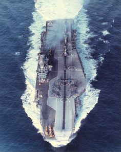 this pic probably taken about the time she was due to be transferred to the Indian navy and be renamed Viraat. Royal Navy Aircraft Carriers, Navy Carriers, British Aircraft Carrier, Navy Times, Model Warships, Landing Craft, Indian Navy, British Armed Forces, Falklands War