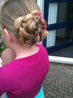 A cute bun #hairstylesforgirls #braidsforgirls