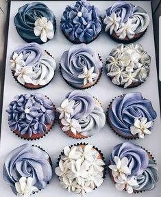 Boston Cream Pie Cupcakes - New ideas Deco Cupcake, Cupcake Party, Cupcake Cookies, Dekorierte Cupcakes, Purple Cupcakes, Decorated Cupcakes, Buttercream Cupcakes, Vanille Cupcakes, Cupcake Frosting