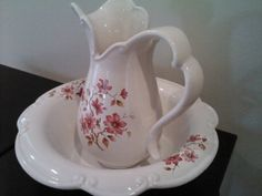 Vintage washing bowl with pitcher