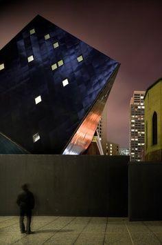 http://www.dezeen.com/2008/01/21/contemporary-jewish-museum-extension-by-daniel-libeskind/