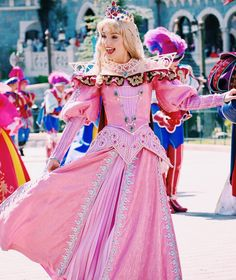 Disney Character Cosplay I know you I walked with you once upon a dream - Disney Princess Cosplay, Disneyland Princess, Disney Cosplay, Disneyland Paris, Disney Cast, Disney Magic, Walt Disney, Disney Girls, Disney Love