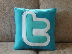 A collection of funny and cerative pillows. A collection of funny and cerative pillows. - Creative - Check out: Funny Pillows on Barnorama Homemade Pillows, Twitter Tips, Twitter Icon, Funny Pillows, Leather Pillow, Weird Pictures, Love Sewing, Modern Boho, Throw Pillow Covers