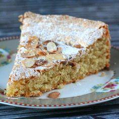 La torta de cielo est un gateau mexicain particulièrement léger, aux saveurs d'amandes qui est très facile à réaliser.