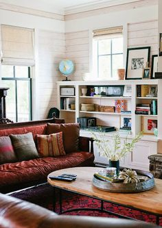 Eclectic Farmhouse Tour - Bohemian Home Living Room My Living Room, Home And Living, Living Room Decor, Living Spaces, Cozy Living, Cozy Eclectic Living Room, Modern Living, Interior Minimalista, Decoration Bedroom