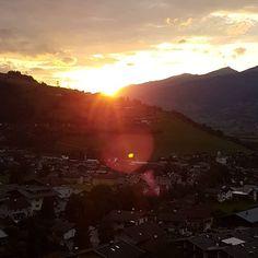 Sonnenuntergang am Berg #nofilter #guggenbichl #stgeorgalive #pensionstgeorg Berg, Celestial, Sunset, Outdoor, Instagram, Kaprun, Outdoors, Sunsets, Outdoor Games