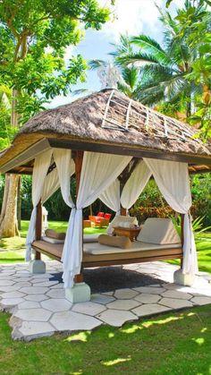 Garden Huts, Bali Garden, Home And Garden, Backyard Gazebo, Backyard Landscaping, Garden Gazebo, Luxury Hotels Bali, Outdoor Daybed, Outdoor Decor