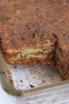 Deze Bananentaart is een familie recept. Is een recept dat al 25 jaar wordt gemaakt en gaat van generatie op generatie.   Is lekker en gezo... Brownie Cake, Pie Cake, Healthy Cake, Healthy Baking, Healthy Food, Just Desserts, Dessert Recipes, Happy Foods, Banoffee Pie