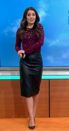 Very Lovely, Nice, Leather Outfits, Leather Skirts, Famous Women, Weather, Classy, Sexy, How To Wear