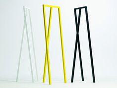 """Möbel: Minimalistische Garderobe """"Loop"""" von Hay - Bild 32 - [SCHÖNER WOHNEN]"""