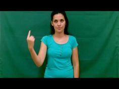Lengua de Señas - Instituto de Idiomas: Nivel 1: Pronombres personales y Adjetivos posesiv... V Neck, T Shirts For Women, Videos, Tops, Fashion, Personal Pronoun, Sign Language, Moda, Fashion Styles