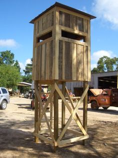 deer blinds | Bartwood Deer Blinds. I think this is a little overkill for a deer blind, but would work great for a bear stand.