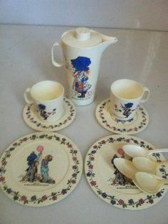 VINTAGE Tea set HOLLY HOBBY miniture by TONITIQUES on Etsy, $26.00