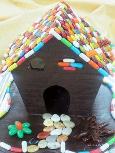 Bonita casa de chocolate con detalles de #lacasitos. #Mona de Pascua de @AbrahamSanchezS (#Receta)