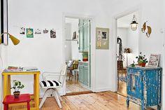 Les petites surfaces du jour : un studio en couleurs | PLANETE DECO a homes world
