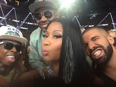 Rapper Nicki Minaj did a few snaps of she and friends at the 2017 Billboard Music Awards.  http://celebsip.com/celebrity-instagram-roundup-25/