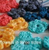 little flowers in three sizes - via @Craftsy
