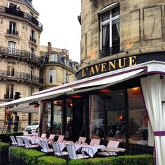 Outdoor seating - L'Avenue Paris