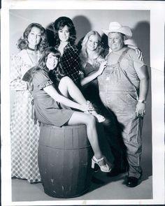 The women from hee haw, teen kari gif