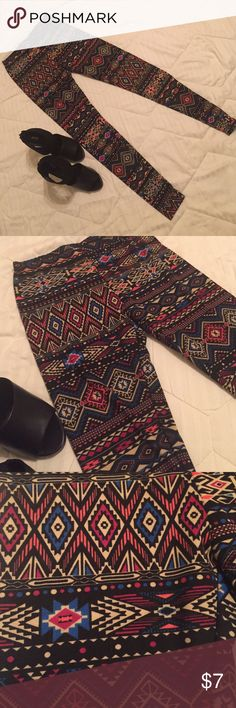 Aztec style leggings Aztec style leggings multi-colored, perfect for fall. Never worn, washed once. Size Small. Pants Leggings