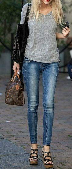 Gray Tee + Skinny Jeans