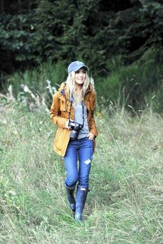61 Ideas camping outfits for women style casual for 2019 Cute Rainy Day Outfits, Cute Hiking Outfit, Trekking Outfit, Summer Camping Outfits, Boating Outfit, Spring Outfits, Winter Outfits, Casual Outfits, Rainy Day Outfit For Spring