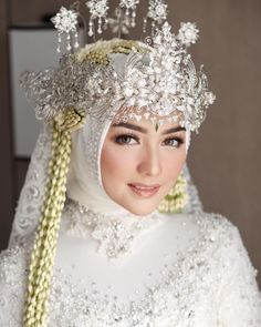 Muslim Wedding Gown, Kebaya Wedding, Muslimah Wedding Dress, Muslim Wedding Dresses, Hijab Bride, Muslim Brides, Wedding Dresses For Girls, Wedding Attire, Dress Muslimah