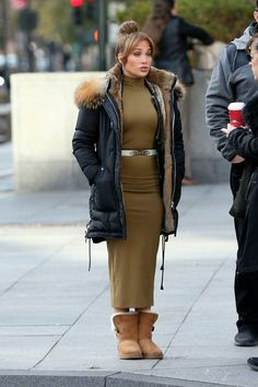 Jennifer Lopez, Janet Jackson Videos, Color Fly, Pinterest Photos, Mattel Barbie, American Idol, Beautiful Actresses, Shades Of Blue, Kardashian