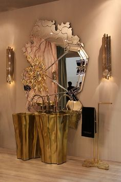 Stylish entryway and lobby decor ideas. Dazzling Design Projects from DelightFULL | http://www.delightfull.eu/usa/. Eye catching lighting- chandeliers, suspension lights, wall lamps, floor lamps for modern entryways and halls decor, classic and modern consoles and mirrors. Interior design trends.